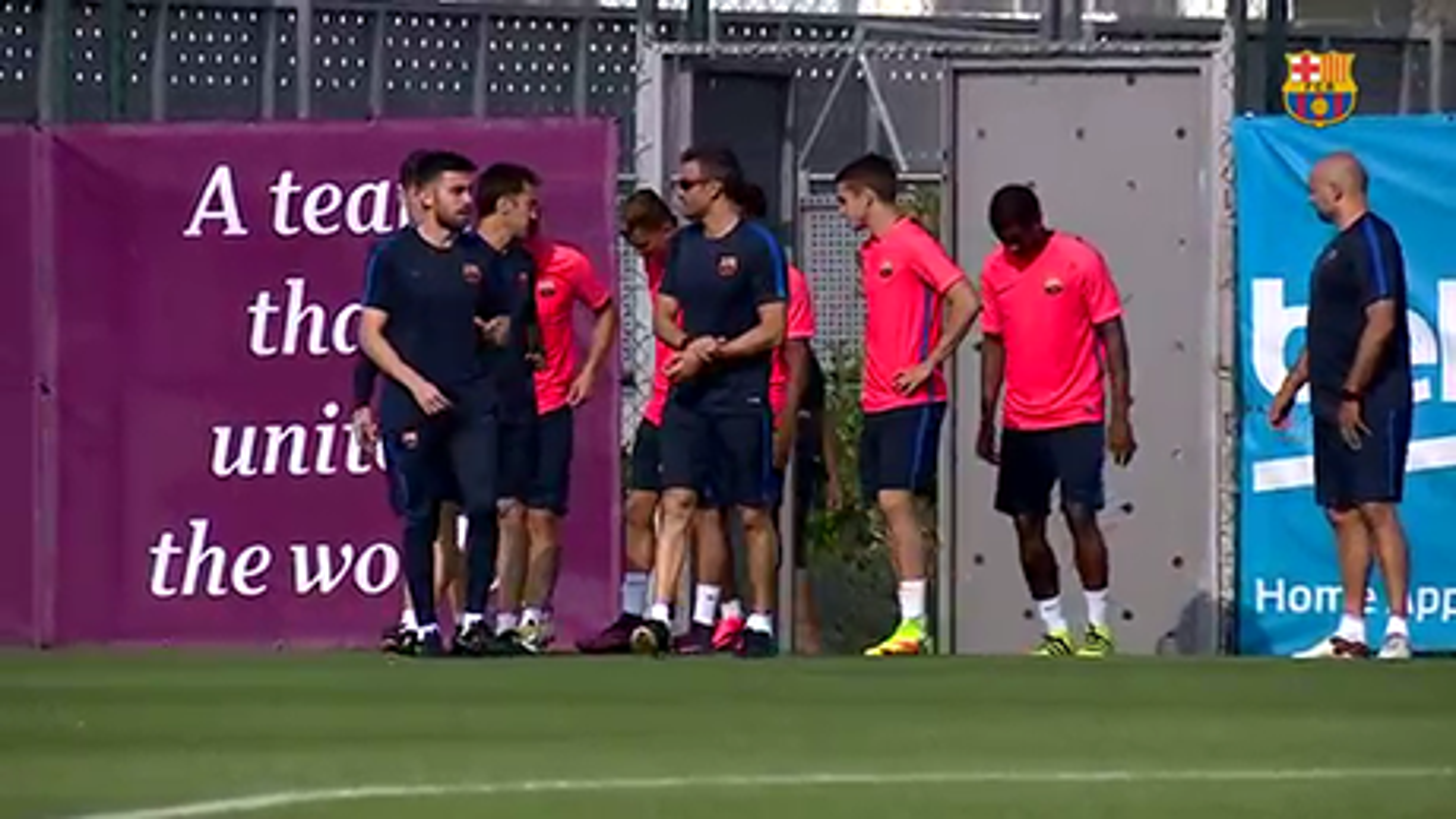 تمرین امروز بارسلونا بدون حضور 13 بازیکنان ملی پوش این تیم