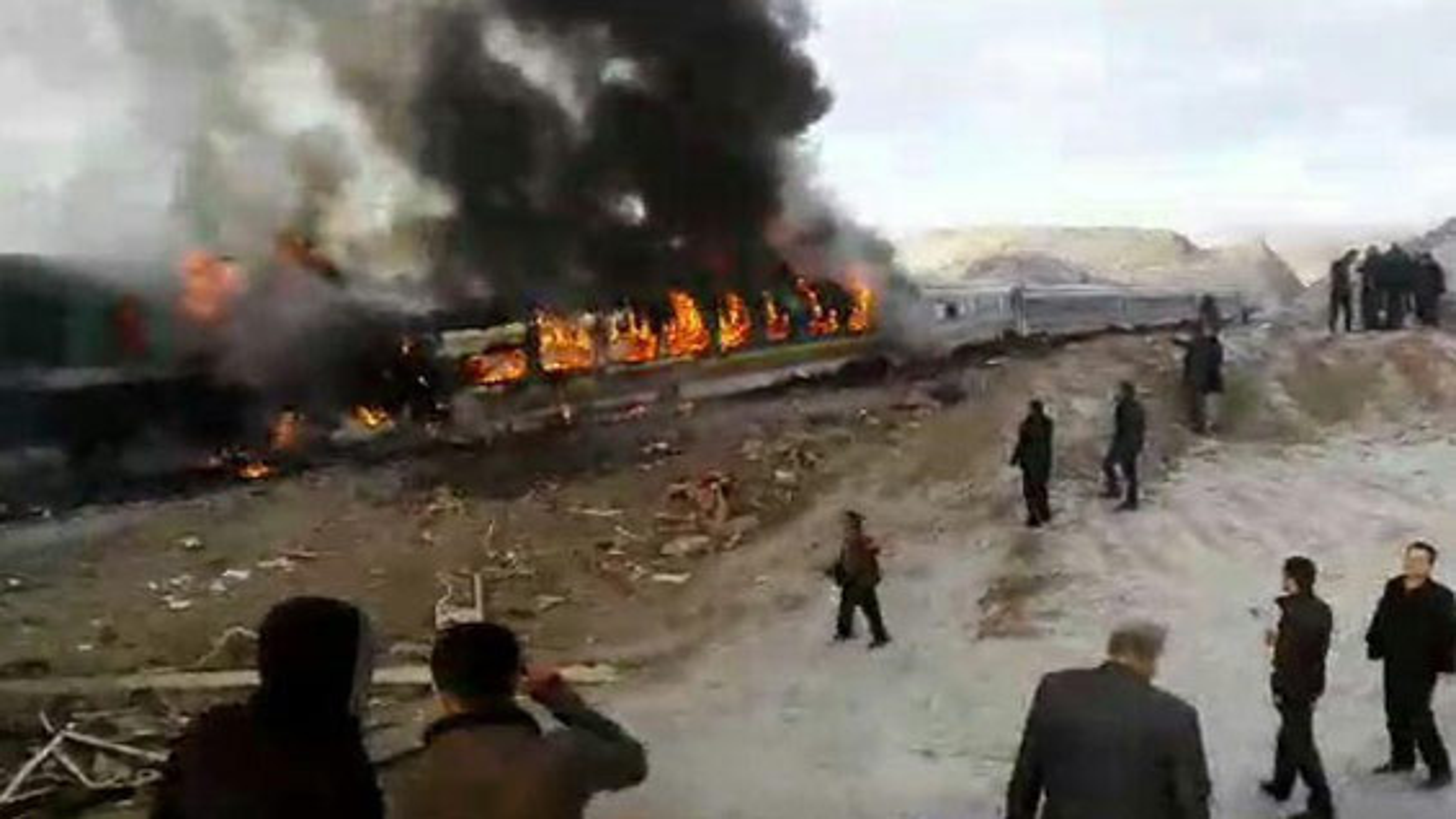 فیلم جدید ازسانحه برخورد قطار در سمنان با ٣٦ کشته و ٨٠ مصدوم؛ اسامی مجروحان حادثه