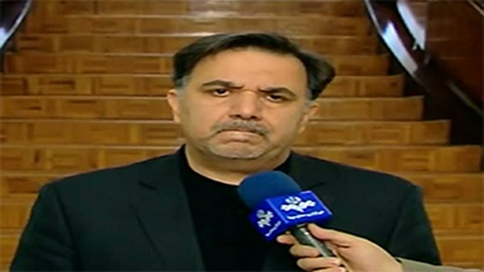 بغض وزیر راه در آنتن زنده تلویزیون هنگام تسلیت برای حادثه غم انگیز برخورد دو قطار | فیلم