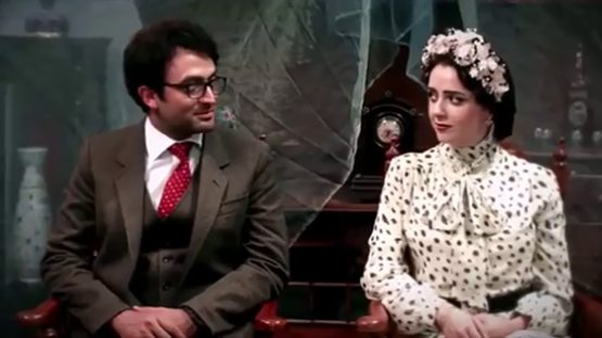 موزیک ویدیوی دیوونه با صدای محسن چاوشی | فیلم
