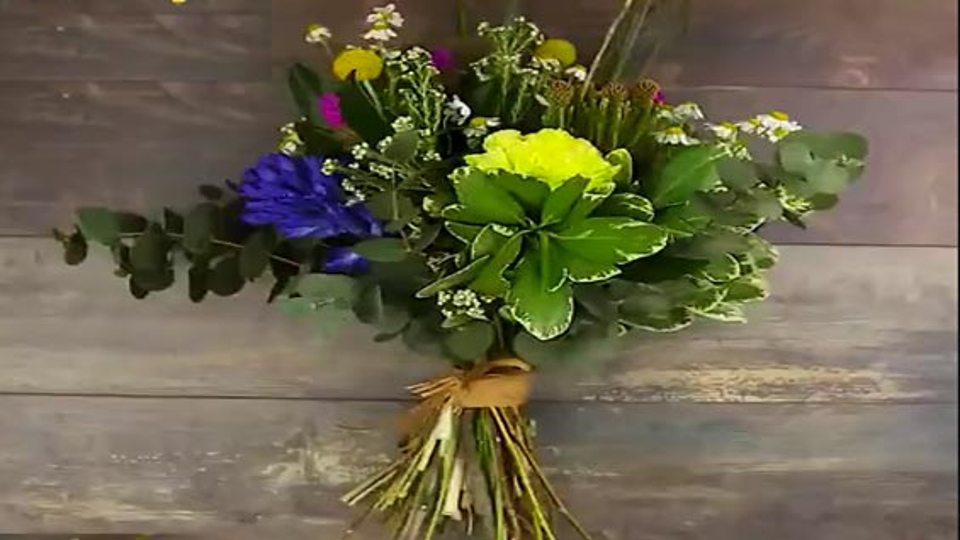 آموزش متفاوت گل آرایی و دسته گل | فیلم