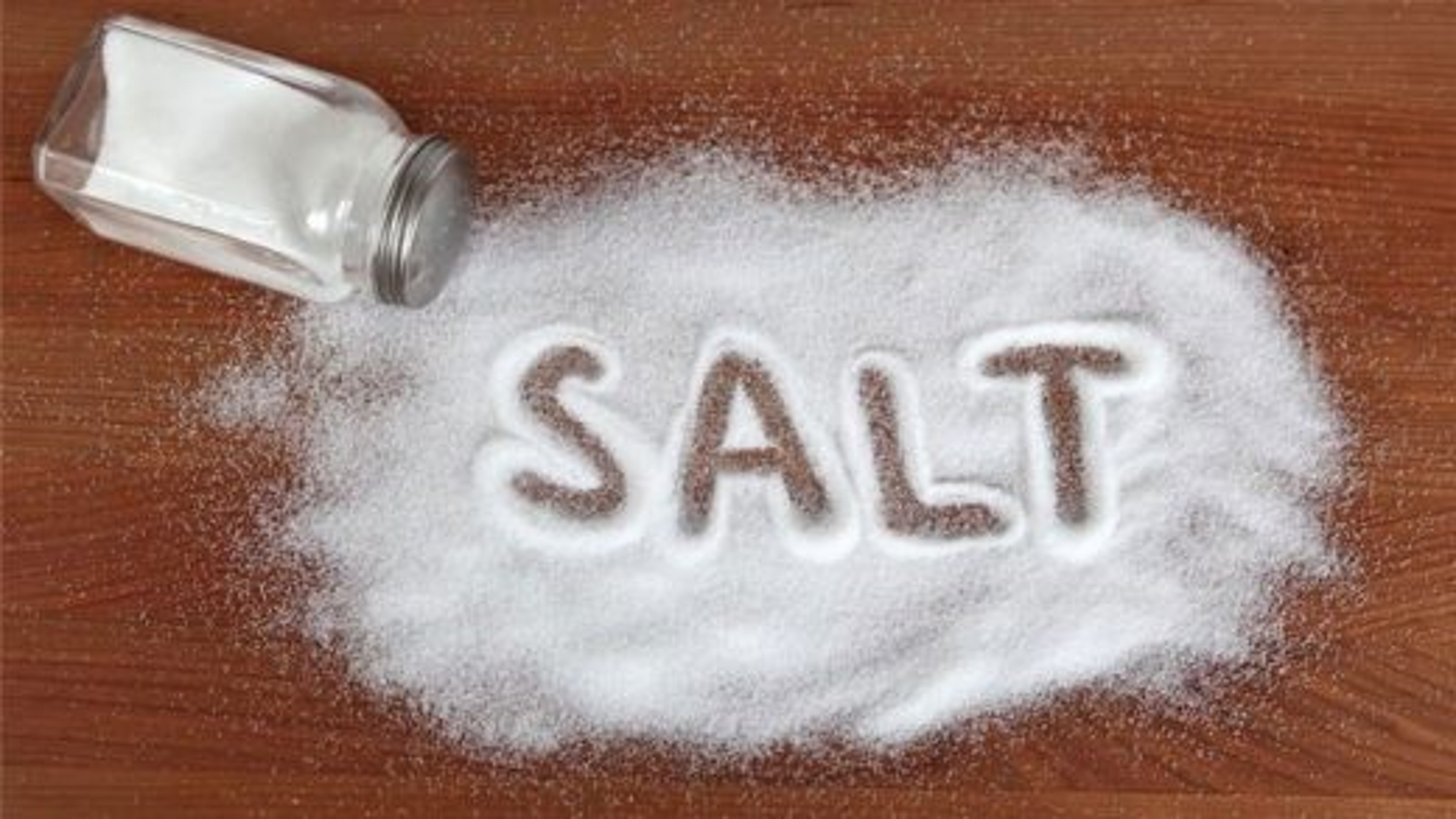کاربردهای جالب نمک در خانه داری | فیلم