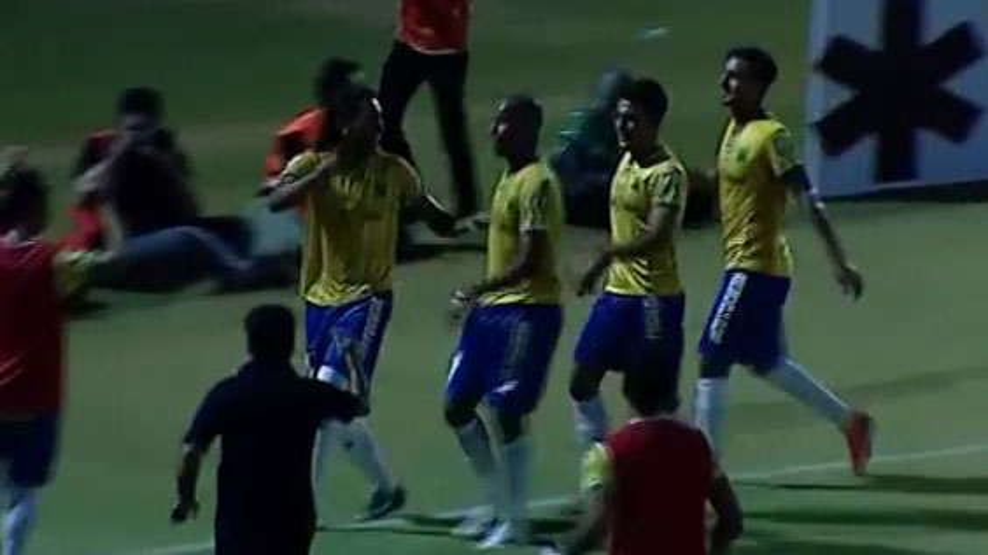 خلاصه بازی صنعت نفت آبادان 1 - 0 استقلال تهران از مسابقات لیگ برتر ایران   فیلم