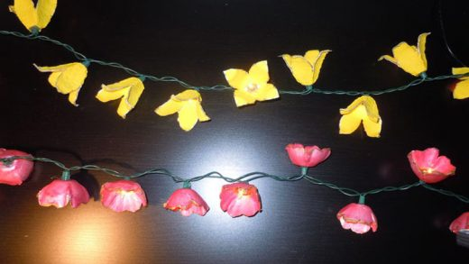 آموزش درست کردن ریسه تزیینی با گل های کاغذی | فیلم