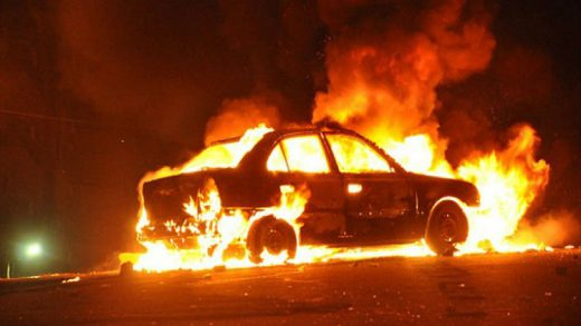 آتش زدن خودرو | تگ