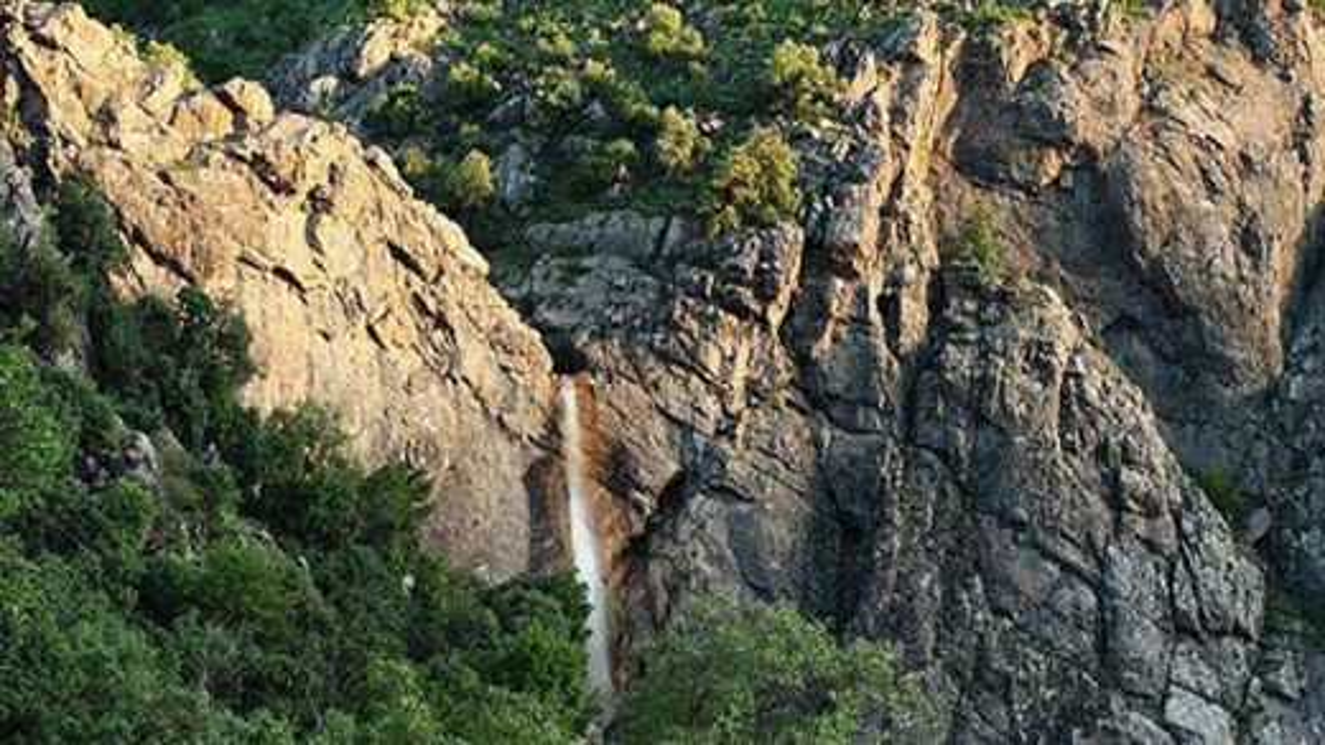 آبشار زیبای گویله در شهر مریوان | فیلم