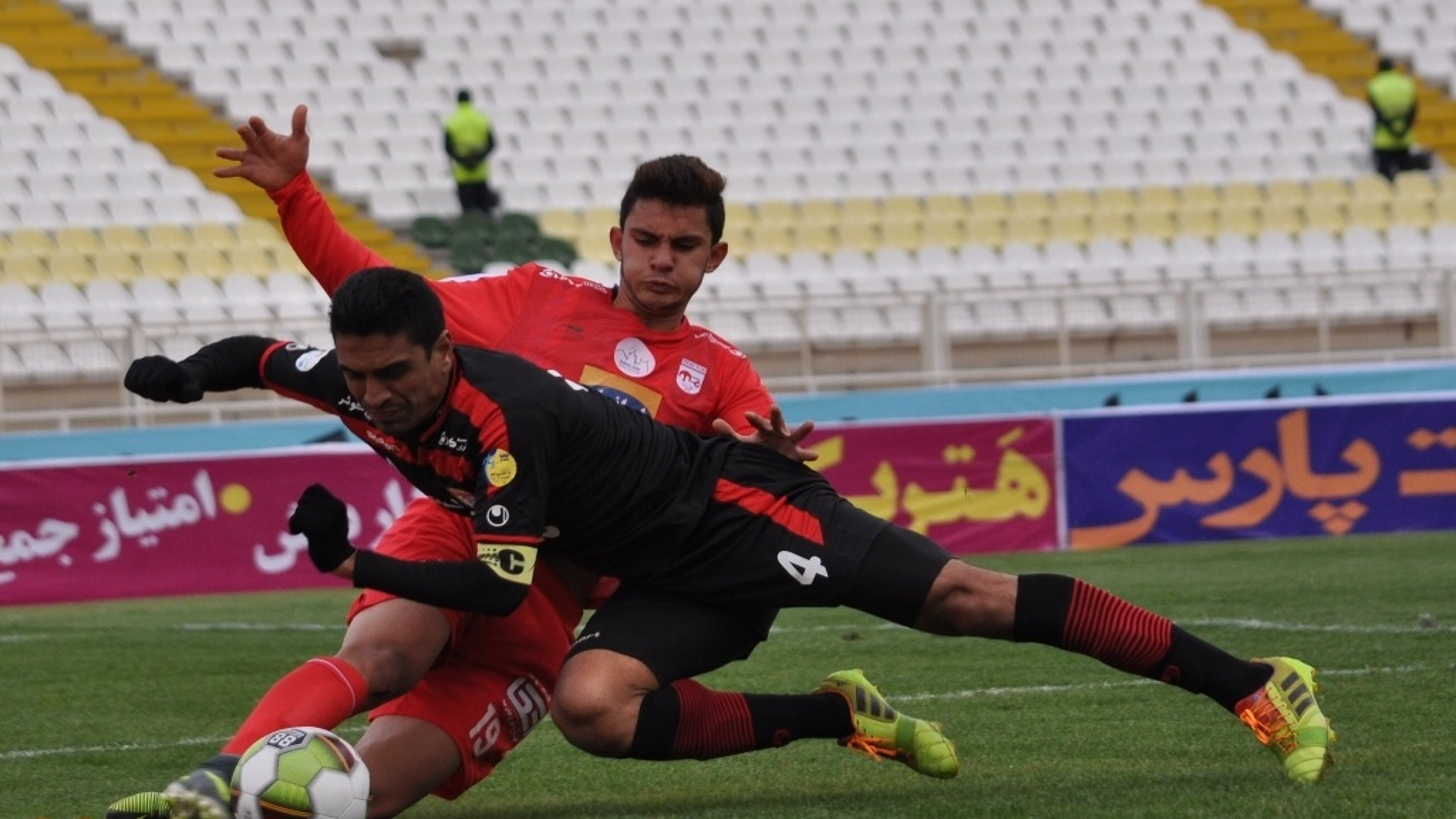 خلاصه بازی تراکتورسازی 1 - 1 فولاد خوزستان | فیلم