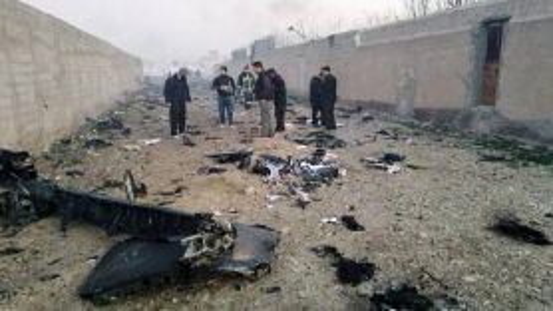 سقوط هواپیمای اوکراینی در نزدیکی فررودگاه امام خمینی (ره) | فیلم